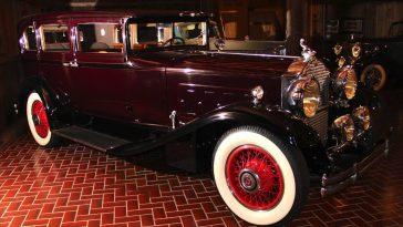 1930 Packard 734 Speedster Sedan